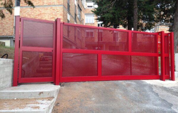 Cancello con lamiera Micro Forata quadra